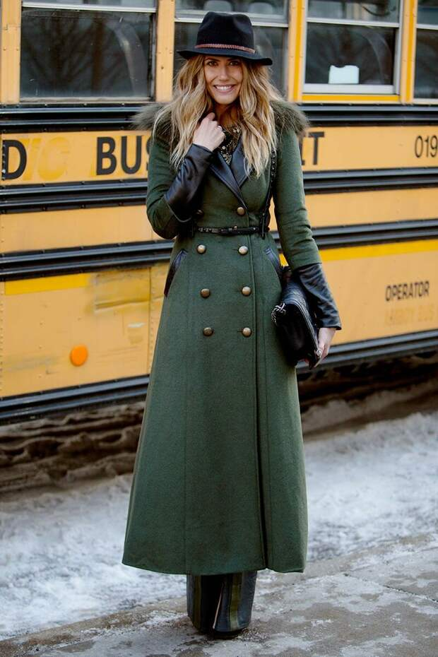 Женщина в шерстяном пальто в стиле милитари. /Фото: i.pinimg.com