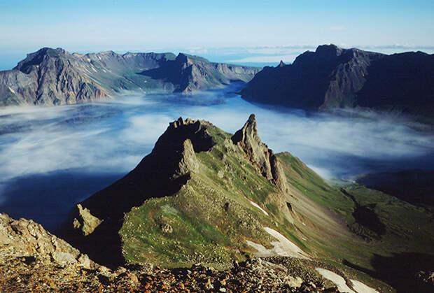 Гора Пэктусан