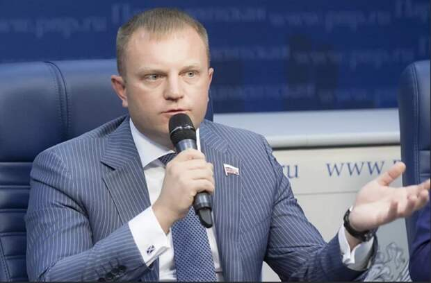 Депутат Госдумы подготовил законопроект, позволяющий  защищаться без боязни превысить пределы самообороны