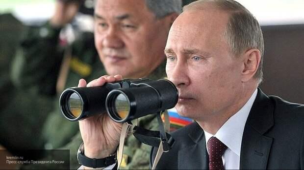 Азаров рассказал о помощи со стороны России и дальновидности Путина по Украине