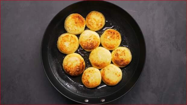 Сырники на сковороде.