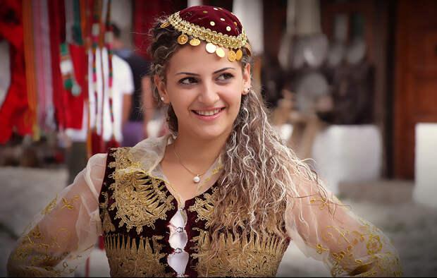 0717 10 удивительных свадебных традиций мира