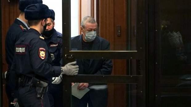 Третий «свидетель» по делу Ефремова не признал вину в суде