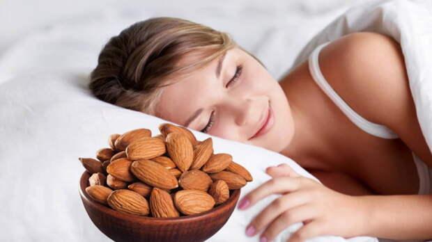 Что полезно есть перед сном: 10 вариантов от диетолога