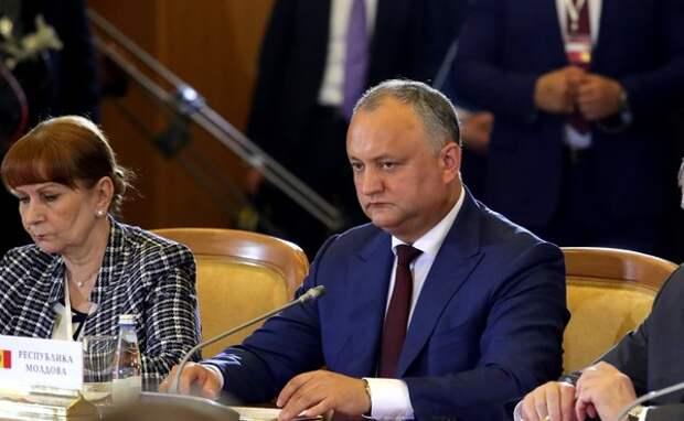 Президент Молдавии отказался отозвать посла из России