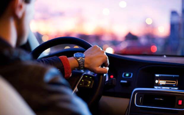 В каких городах водители больше времени проводят за рулем. Исследование