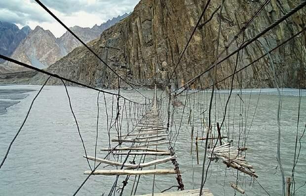 Дорога в никуда: мосты, по которым мало кто отважится пройти