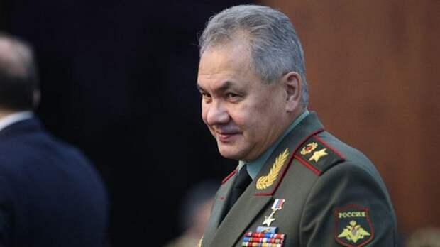 Шойгу призвал коллег изАрмении иАзербайджана выполнять обязательства