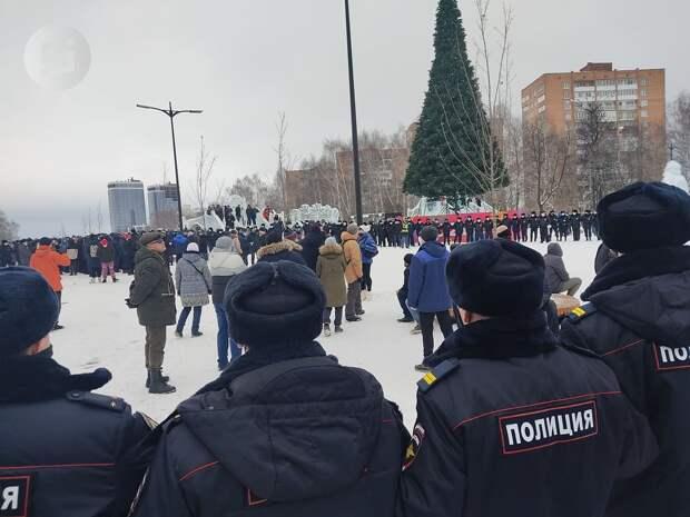 8 административных дел передали в суд Ижевска после митинга на Центральной площади