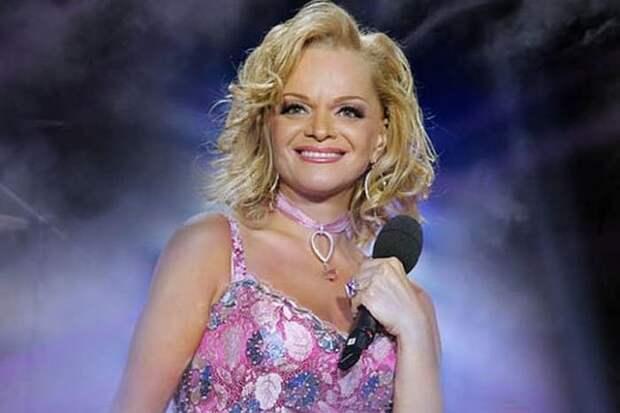 Ларисе Долиной исполнилось 65