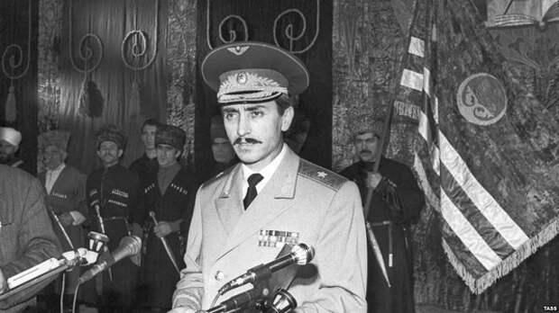 Как генерал Дудаев встал во главе Чечни