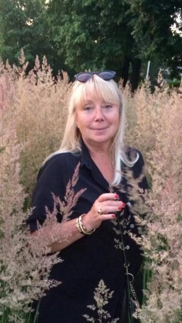 Художник из Южного Медведкова украсила цветники района фигурами медведей