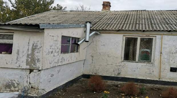 Крымскую чиновницу отстранили за выделение сиротам ужасного жилья