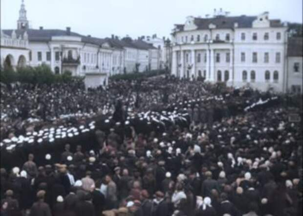Калужанам показали редкое видео похорон К.Э. Циолковского в цвете