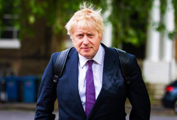 Джонсон заявил о большей заразности выявленного в Британии штамма коронавируса