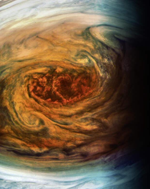 Jupiters_Great_Red_Spot_-_.jpg
