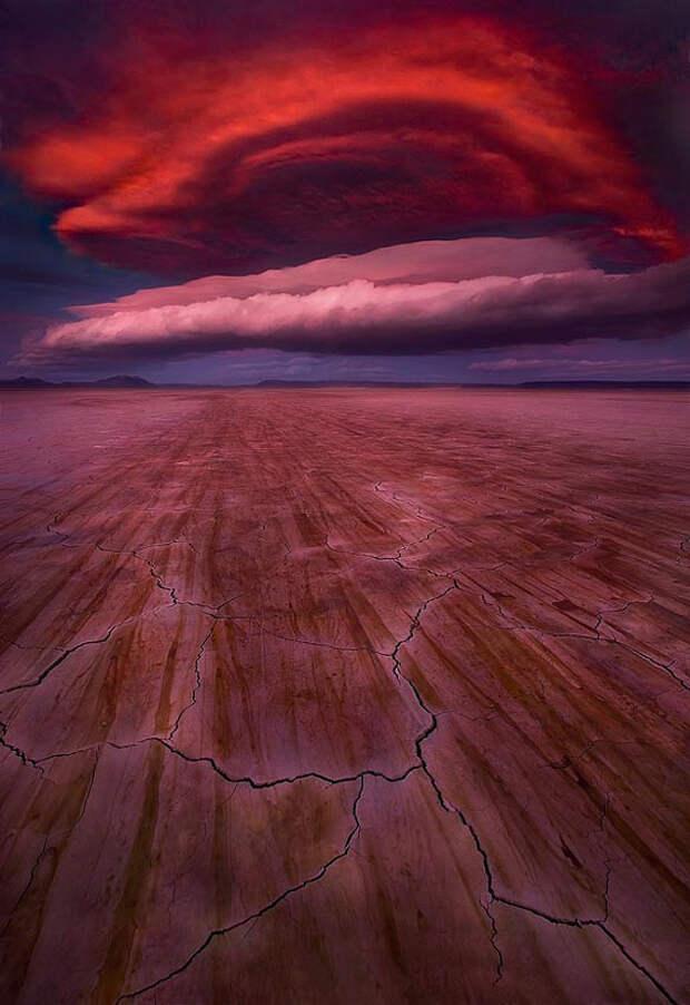 Подборка линзовидных облаков