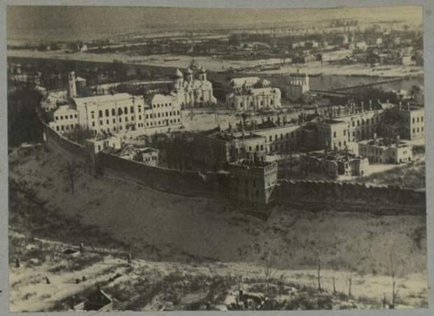 Вид Новгородского кремля во время Великой Отечественной войны.