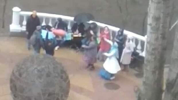 Танцующих сбубнами кришнаитов заподозрили ввызове града вРостове