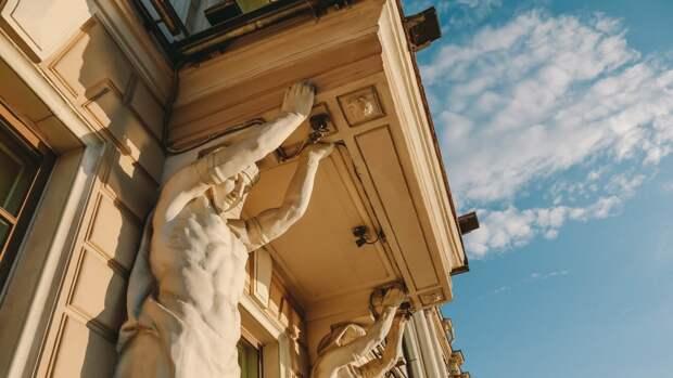 Жителей Петербурга ожидает солнечная и ветреная погода 16 апреля