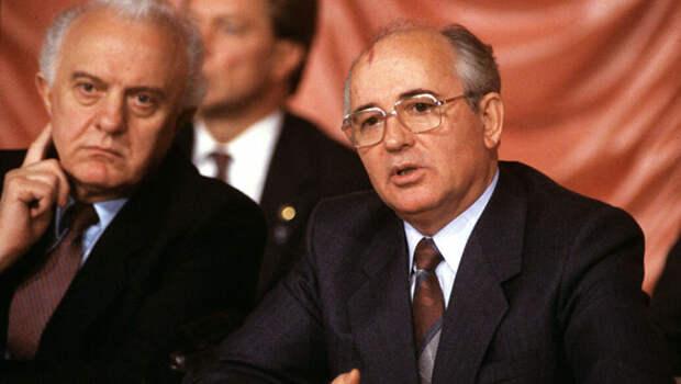 Для чего Горбачёв подарил США часть акватории СССР в северных морях