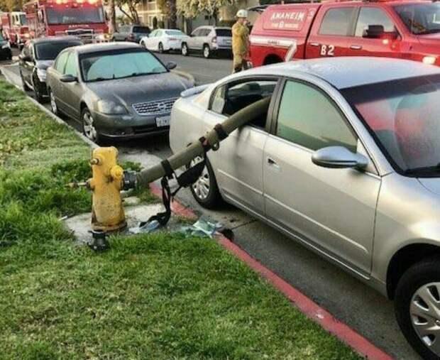 1. Вот почему не стоит парковаться у пожарного гидранта идиоты, мастер парковки, не повезло, неправильная парковка, парковка, прикол, фото