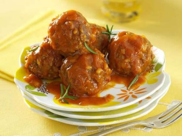 Ёжики с подливкой на сковороде: нежное мясо в  ароматной подливке