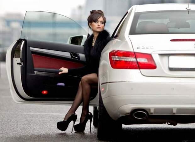 Девушки и авто. Только лучшие фотографии