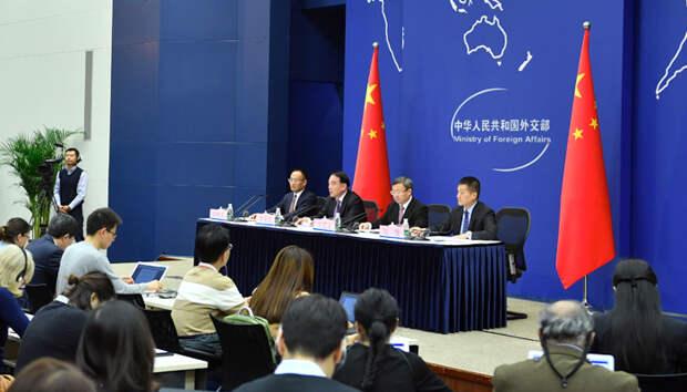 Китай в шоке. Трамп распространил юрисдикцию США на Гонконг