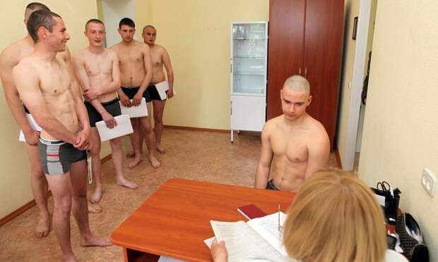 Призывников в военкомате опросили об их отношении к революции и «линчеванию» коррупционеров сообщают