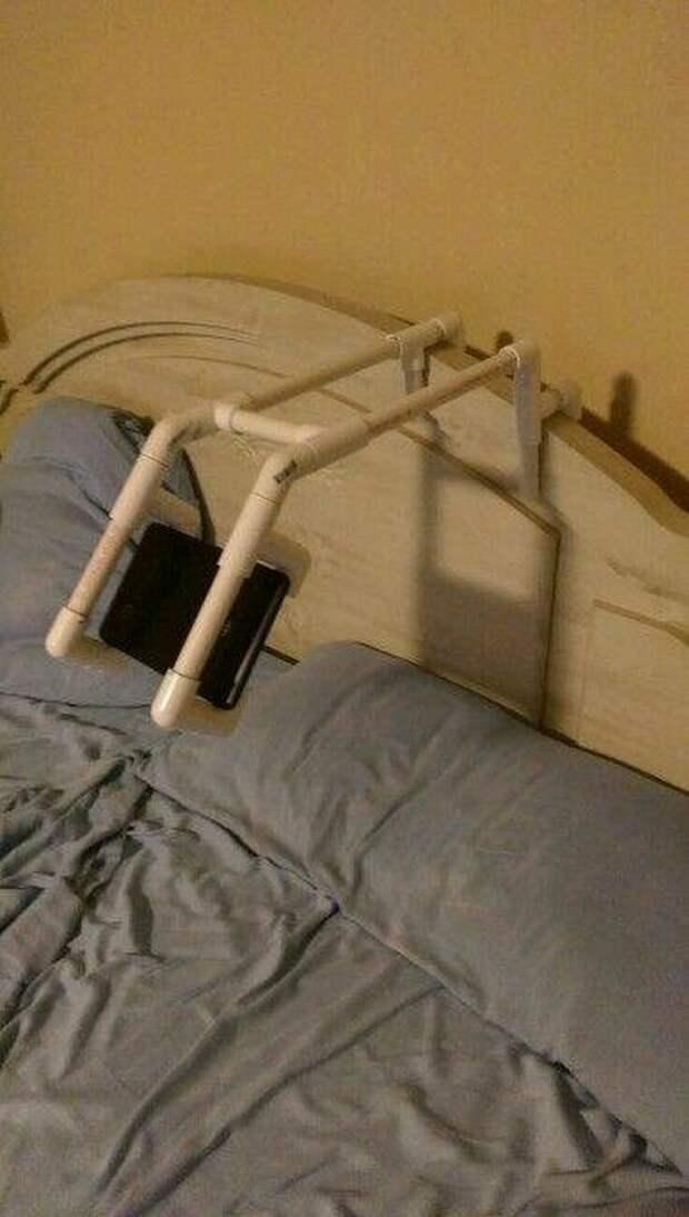 Подставка для смартфона изобретательность, пвх, пвх-изыски, пвх-трубы, подборка, прикол, юмор