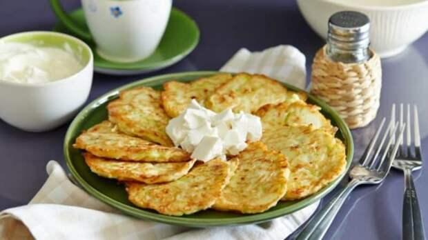 Сырные оладьи — завтрак на скорую руку. Проще простого!