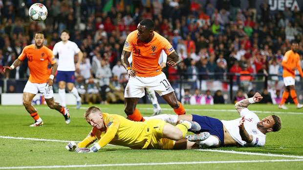Промес выбил Англию изЛиги Наций. Голландия сыграет вфинале сПортугалией