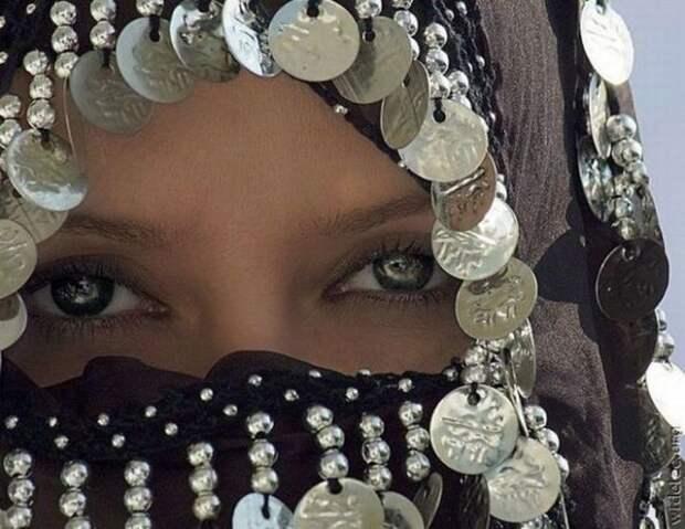 Арабка с прекрасными глазами