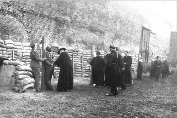Расстрел Анс ван Дейк в форте Бейлмер 14 января 1948 года