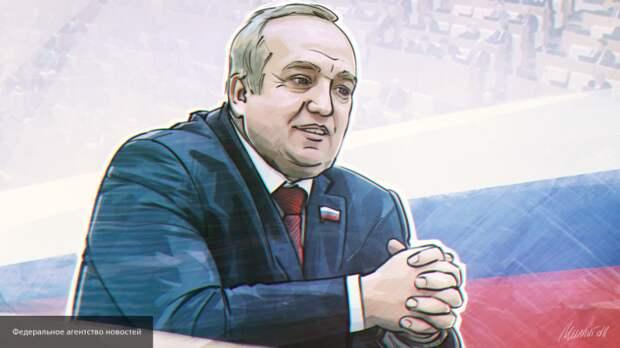 Клинцевич заявил, что Россия не планирует вступать в гонку вооружений с США
