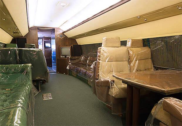 Самолеты Элвиса Пресли выставили на торги