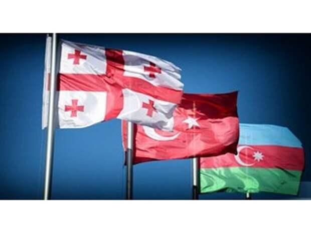 «Воюя» с Россией, Тбилиси создает поводы для вторжения «тюркского тандема»