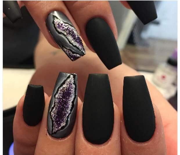 Жеоды на ногтях (трафик)