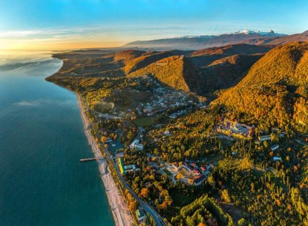 Абхазия делится на«туристические агломерации и«зоны отчуждения»