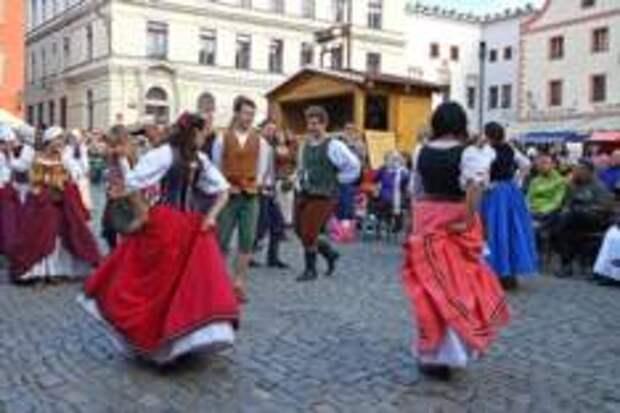 Запеченый гусь и молодое вино. День Святого Мартина в Чехии