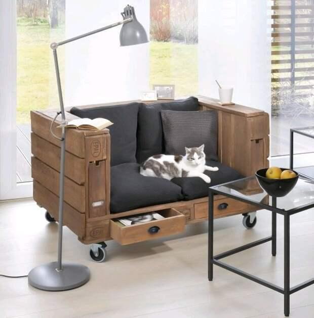 Кресло из палет