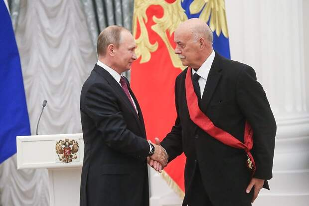 Говорухин-Путину в 2016 году: - Пускай кружит надо мной мой ястреб, мы еще повоююем, черт возьми!