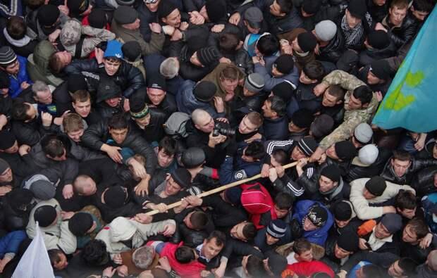 «В ход пошли древки флагов, перцовые баллончики, с милиционера сорвали фуражку»: воспоминания участника митинга 26 февраля