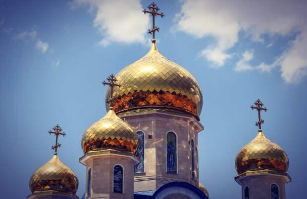 Церкви строят по всей стране, но на популярность православных идей и канонов это практически не влияет