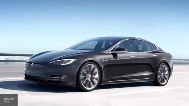 Автомобили Tesla «отключились» в США и Европе из-за технического сбоя в компании