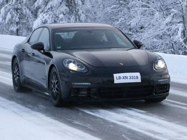 Новый Porsche Panamera показался почти без камуфляжа