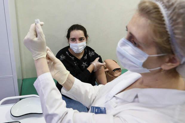 Росздравнадзор заявил об отсутствии случаев смерти после вакцинации