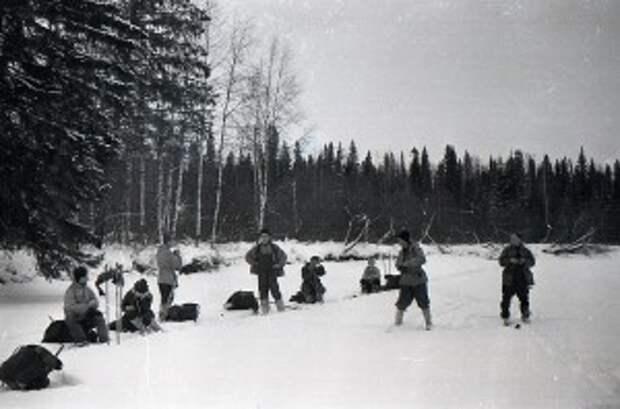 1 февраля 1959 г. группа остановилась на ночлег на склоне горы