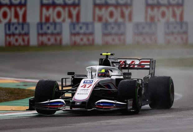 Мик Шумахер: Воображаю, что Рассел и Латифи – лидеры гонки